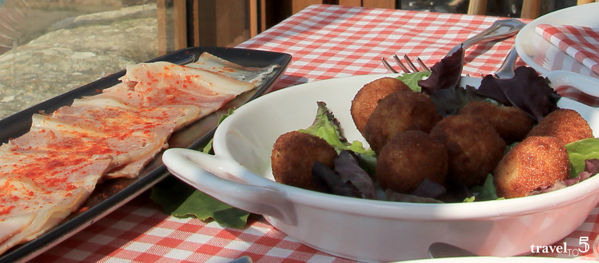 Food in Galicia: small portions and fritters