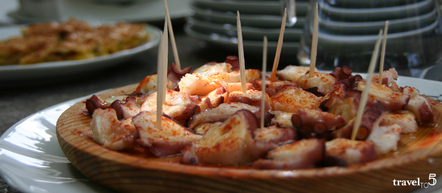 Food in Galicia: traditional octopus dish from galicia