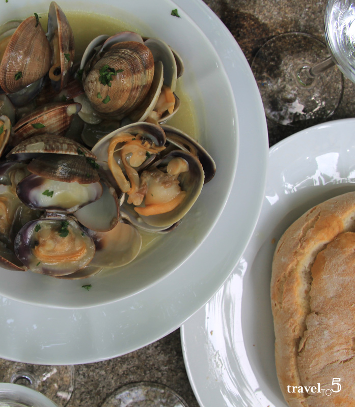 Galicia seafood - Carril clams