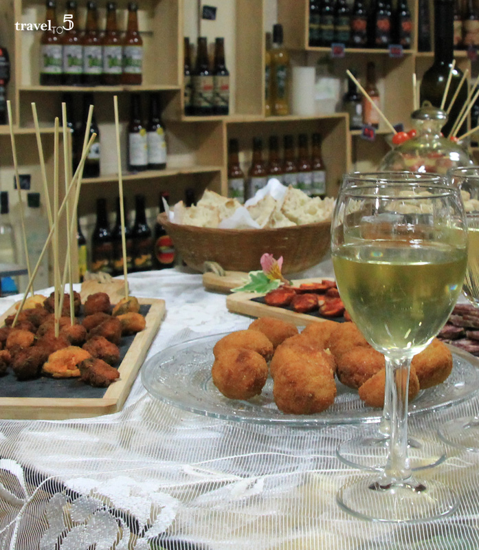 Croquettes and small portions of Galician Food